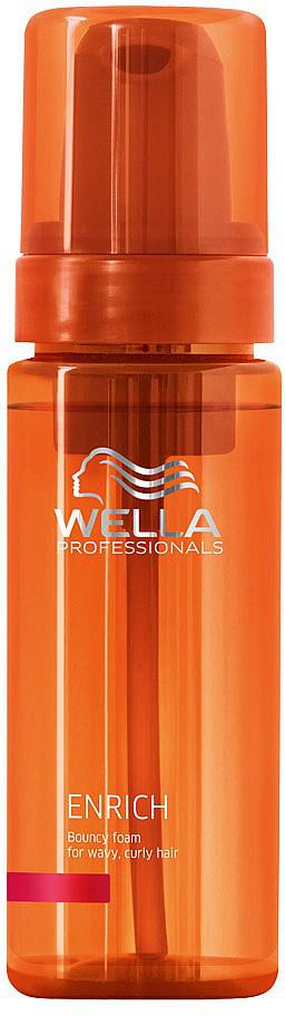 Wella Enrich Line Питательный мусс для вьющихся и завитых волос 150 мл122089Придайте упругость и гибкость вьющимся и завитым локонам с помощью питательной пены для вьющихся волос Wella Professionals Enrich. Этот легкий несмываемый профессиональный продукт для ухода за волосами восстанавливает поврежденные и сухие волосы. Нежнейшее несмываемое средство Wella Professionals Enrich, созданное на основе чудодейственного шелкового экстракта, придаст вьющимся и завитым локонам неимоверную упругость, гибкость и потрясающий шелковистый блеск.