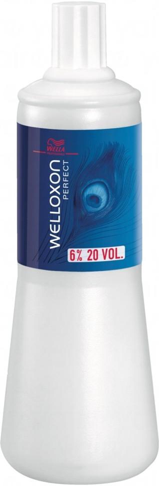 Wella Окислитель Welloxon Perfect 6%, 1000 мл00700000/81066479/0607Окислитель WELLOXON PERFECT 6%Благодаря более кремообразной и вязкой консистенции Welloxon Perfect гарантирует лучшую смешиваемость и более косметический вид красящей массы. Красящие пигменты проникают в волосы там, где это необходимо, обеспечивая эффективный, точный и равномерный процесс окрашивания.Смешивание Welloxon Perfect и Blondor делает возможным осветление волос до семи ступеней и получение чистого светлого цвета. В зависимости от желаемой степени осветления рекомендуется использовать разные варианты Welloxon Perfect: 6%, 9% и 12%.