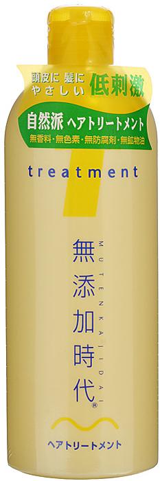 Real Бальзам для волос, без добавок, увлажняющий, 300 мл712748Бальзам Real не содержит парфюмерных отдушек, красителей, минеральных масел, консервантов класса парабенов. Моментально проникает в волосы и кожу головы, поддерживает оптимальный уровень влаги. Поддерживает здоровый вид и состояние волос и кожи головы, давая ощущение продолжительного увлажнения, даже после того, как волосы высыхают. В составе - натуральные увлажняющие растительные компоненты - экстракты лакричника, листьев персикового дерева, хмеля, горького апельсина. Бальзам мягко обволакивает волосы, защищая кутикулу волос от внешних воздействий. Обладает освежающим ароматом цитрусовых фруктов. Характеристики:Объем: 300 мл. Артикул: 712748. Производитель: Япония. Товар сертифицирован.