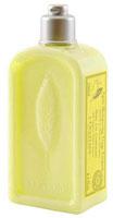 Бальзам-ополаскиватель LOccitane Вербена, для частого применения, 250 мл348154Бальзам-ополаскиватель LOccitane Вербена обогащен органическим экстрактом вербены, очищающим эфирным маслом лимона и смягчающей цветочной водой липы, он восстанавливает мягкость, блеск и жизненную силу волос. Комплекс растительных экстрактов питает и смягчает волосы, благодаря чему волосы выглядят здоровыми и легко расчесываются. Активные компоненты: Органический экстракт вербены - смягчает и успокаивает кожу головы;Про-витамин В5 - питает, делает волосы более мягкими и здоровыми;Миндальное масло и глицерин- смягчают и увлажняют волосы, они становятся более здоровыми и гладкими, легко расчесываются;Эфирное масло лимона- очищает и придает блеск волосам;Цветочная вода лайма - смягчает, делая волосы более гладкими;Цитрус и Вербена - придают волосам изысканный аромат. Характеристики:Объем: 250 мл. Производитель:Франция. Артикул: 152942. Loccitane (Л окситан) - натуральная косметика с юга Франции, основатель которой Оливье Боссан.Название Loccitane происходит от названия старинной провинции - Окситании. Это также подчеркивает идею кампании - сочетании традиций и компонентов из Средиземноморья в средствах по уходу за кожей и для дома.LOccitane использует для производства косметических средств натуральные продукты: лаванду, оливки, тростниковый сахар, мед, миндаль, экстракты винограда и белого чая, эфирные масла розы, апельсина, морская соль также идет в дело. Специалисты компании с особой тщательностью отбирают сырье. Учитывается множество факторов, от места и условий выращивания сырья до времени и технологии сборки. Товар сертифицирован.