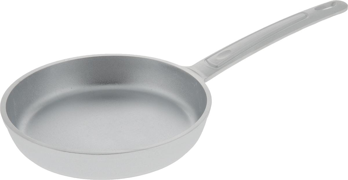 """Сковорода """"Kukmara"""" без ручки изготовлена из литого алюминия.  Она идеально подходит для жарки мяса, запекания,  тушения овощей, еда в такой посуде не пригорает, а  томится как в русской печи. Такая сковорода  обеспечивает быстрое и равномерное распределение  тепла по всей поверхности.  Сковорода экологически безопасная и не подвергается  деформации.  Такая сковорода понравится как любителю, так и  профессионалу.  Сковорода подходит для газовых и электрических плит.  Диаметр сковороды по верхнему краю: 18 см.  Высота стенки: 4,5 см. Длина ручки: 18 см."""