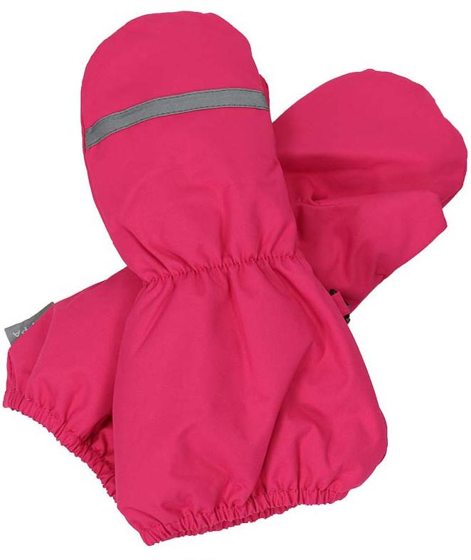 Варежки для девочки Huppa Ron, цвет: фуксия. 8115BASE-60063. Размер 38115BASE-60063Детские варежки Huppa Ron, изготовленные из высококачественного полиэстера, станут идеальнымвариантом, для холодной зимней погоды. Первоклассный мембранный материал и теплая мягкая флисовая подкладка, а также наполнитель из синтепона надежно сохранят тепло и не дадут ручкам вашего малыша замерзнуть.Варежки дополнены удлиненными манжетами с эластичными резинками, которые помогут предотвратить попадание снега и влаги. На запястьях варежки собраны на эластичные резинки, что обеспечивает комфортную и надежную посадку. С внешней стороны варежки оформлены светоотражающими нашивками.Теплые, удобные и стильные варежки будут незаменимы для зимних прогулок и надежно защитят ручки малыша от холода и ветра.Водонепроницаемость: 10000 мм. Воздухопроницаемость: 10000 г/м2