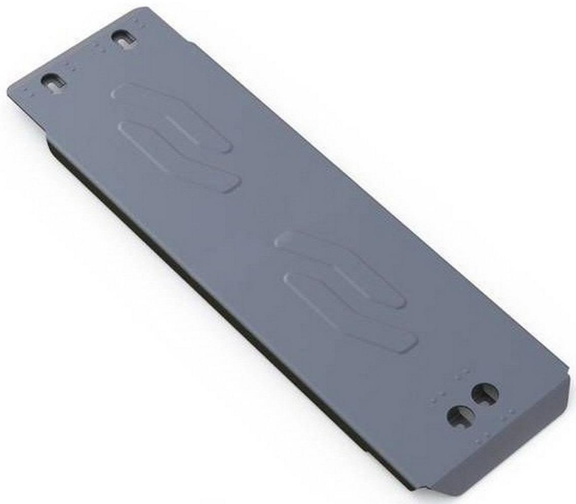Защита КПП Rival для Infiniti QX70 2013- / Infiniti FX50 2008-2013, алюминий 4 мм333.2405.1Защита КПП Rival для Infiniti QX70 V - 5.0 2013-н.в./Infiniti FX50 V - 5.0 2008-2013, алюминий 4 мм, крепеж в комплекте, 333.2405.1Алюминиевые защиты Rival надежно защищают днище вашего автомобиля от повреждений, например при наезде на бордюры, а также выполняют эстетическую функцию при установке на высокие автомобили.- Толщина алюминиевых защит в 2 раза толще стальных, а вес при этом меньше до 30%.- Отлично отводит тепло от двигателя своей поверхностью, что спасает двигатель от перегрева в летний период или при высоких нагрузках.- В отличие от стальных, алюминиевые защиты не поддаются коррозии, что гарантирует срок службы защит более 5 лет.- Покрываются порошковой краской, что надолго сохраняет первоначальный вид новой защиты и защищает от гальванической коррозии.- Глубокий штамп дополнительно усиливает конструкцию защиты.- Подштамповка в местах крепления защищает крепеж от срезания.- Технологические отверстия там, где они необходимы для смены масла и слива воды, оборудованные заглушками, надежно закрепленными на защите.- Помимо основной функции защиты от удара, конструкция так же существенно снижает попадание в моторный отсек влаги и грязи.В комплекте инструкция по установке.Уважаемые клиенты!Обращаем ваше внимание, на тот факт, что защита имеет форму, соответствующую модели данного автомобиля. Наличие глубокого штампа и лючков для смены фильтров/масла предусмотрено не на всех защитах. Фото служит для визуального восприятия товара.