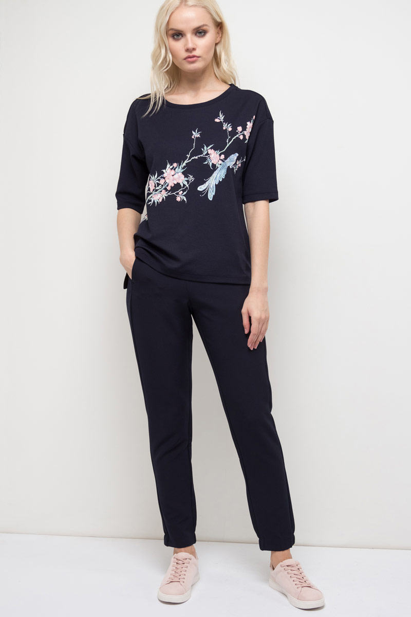 Джемпер женский Sela, цвет: темно-синий. Ts-111/968-8120. Размер L (48)Ts-111/968-8120Джемпер женский Sela выполнен из полиэстера и эластана. Модель с круглым вырезом горловины и короткими рукавами.