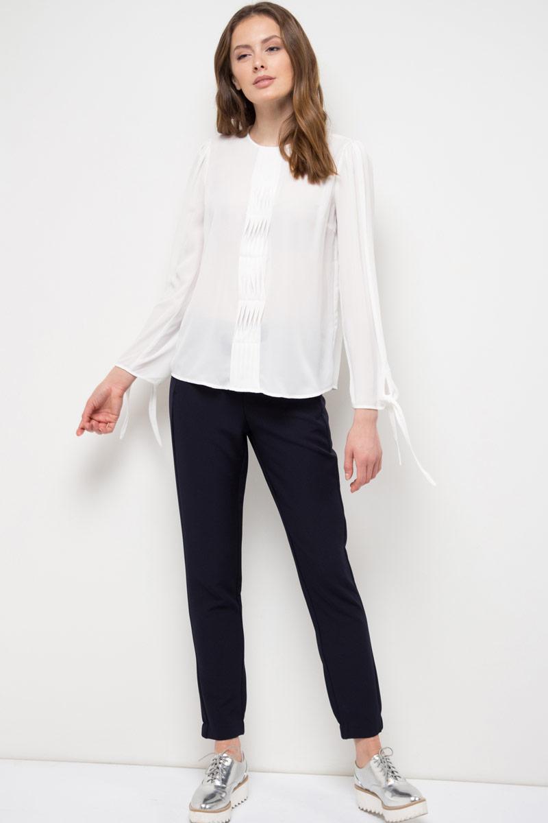 Блузка женская Sela, цвет: белый. Tw-112/787-8120. Размер 46Tw-112/787-8120Блузка женская Sela выполнена из полиэстера. Модель с круглым вырезом горловины и длинными рукавами.