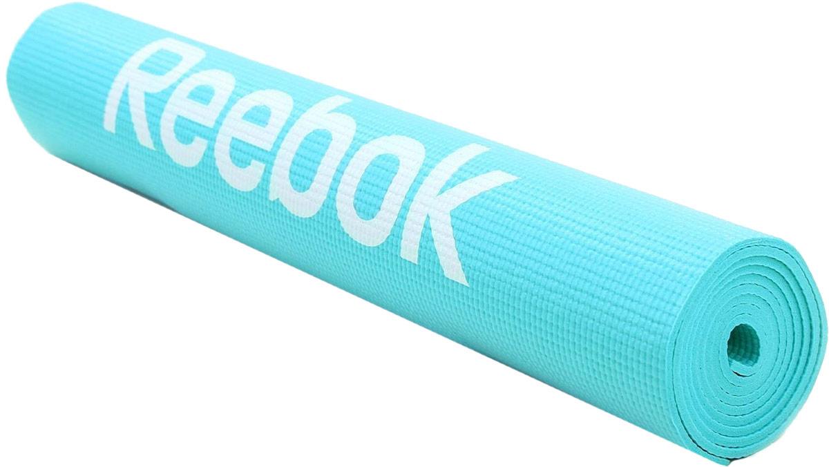 Тренировочный коврик для фитнеса Reebok Love, тонкий, цвет: голубойRAMT-11024BLLТренировочный мат - это базовый аксессуар каждого увлеченного энтузиаста фитнеса, йоги или пилатеса, но имея широчайший выбор форм, размеров и материалов, порой непросто остановиться на том, который идеально подходит именно вам.Созданный для упражнений (выполняемых на полу) на развития силы, осанки, и гибкости, стильный мат Reebok Love имеет размеры 173 x 61 см и толщину 4 мм и обеспечивает комфортную поддержку вашим рукам, спине и ступням при выполнении любых типов упражнений. Благодаря нескользящему покрытию коврика, вы сможете совершать любые движения, и коврик не будет приподниматься от пола, а останется в том же положении, где и был в начале тренировки.Бело-голубой фитнес-мат является стильным и очень практичным выбором. Подходит для различных тренировок.