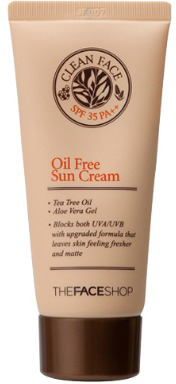 The Face Shop Clean Face Солнцезащитный крем для жирной и комбинированной кожи SPF35, 50 млУТ000001866Устойчивый солнцезащитный крем разработан специально для проблемной и комбинированнойкожи, склонной к воспалениям. Невесомая обезжиренная текстура препятствует закупориванию пор, не вызывает аллергии, снижает воспаления. Может использоваться в качестве основы под макияж в летнее время. Имеет солнцезащитный фактор SPF35.