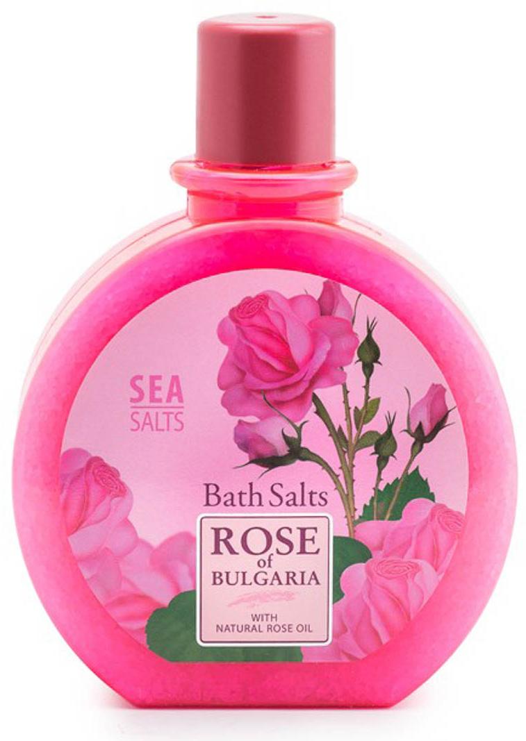Rose of Bulgaria Соль для ванны, 360 г61999Ароматная комбинация из морской соли и натурального розового масла, делает соль для ванны прекрасной освежающей и успокаивающей терапией. Прием такой ванны снимает напряжение в мышцах, стимулирует работу кровообращения, снимает стресс. Соли для ванны помогают и для очищения кожи от накопившихся токсинов, нежно ее отшелушивают, делая более мягкой, нежной и эластичной