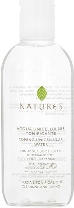Natures Тонизирующая вода, 200 мл60200103Тонизирующая вода Natures рекомендуется для увлажнения, улучшения тонуса, придания свежести коже лица, шеи и декольте в любое время дня. Кожа получает заряд энергии и активную жизнеспособность. День за днем восстанавливается водный баланс кожи, повышая возможность последующего ухода. Основной активный ингредиент:Однокомпонентная органическая вода из Бергамота – очищает, освежает, улучшает тонус, содержит АНА (альфа гидроксильные кислоты), улучшающие клеточный обмен. Разновидностей этого растения существует немало, но наиболее ценные сорта выращивают в заповедных природоохранных рощах, расположенных между побережьем и горами Калабрии. Бергамотовую Воду получают путем холодного отжима свежих плодов, сохраняя жизненно важные клетки растения, микроэлементы, витамины и эфирные масла.Специальные активные ингредиенты в продукте:Вода Orange Blossom - успокаивает, освежает, придает бархатистость.Экстракт Опунции содержит незаменимые аминокислоты, флавоноиды, витамины, антиоксиданты и полисахариды, обладает увлажняющими, защитными и успокаивающими свойствами, особенно для чувствительной и сухой кожи.Полисахариды обладают увлажняющими, защитными и успокаивающими свойствами, особенно при чувствительной и сухой кожи.Экстракт дикого Аканта обладает восстанавливающими и защитными свойствами.Глицерин - увлажняет и смягчает. Характеристики:Объем: 200 мл. Производитель: Италия. Артикул:60200103. Товар сертифицирован.
