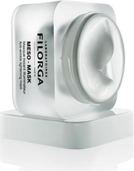 Filorga Разглаживающая маска Meso-Mask 50 млDSM54NCTF повышает клеточную активность (+117%) и стимулирует синтез коллагена (+256%). Гиалуроновая кислота возвращает комфорт и сияние благодаря оптимальному увлажняющему действию. Полисахарид рамнозы успокаивает раздражение, мгновенно и надолго выравнивает тон кожи. Коллаген и эластин активно борются со старением. Нежная текстура обеспечивает неповторимый момент расслабления. Кожа обретает мягкость, излучает здоровье и свежесть.Кожа обретает мягкость, излучает здоровье и свежесть