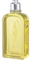 Гель для ванны и душа LOccitane Вербена-Цитрус, 250 мл373408Гель для ванны и душа LOccitane Вербена мягко очищает кожу, придавая ей свежий фруктовый аромат.Фоормула геля обогащена экстрактом вербены ,лимонным маслом иэкстрактом грейпфрута. Характеристики: Объем: 250 мл. Производитель: Франция. Артикул:306161.Loccitane (Л окситан) - натуральная косметика с юга Франции, основатель которой Оливье Боссан.Название Loccitane происходит от названия старинной провинции - Окситании. Это также подчеркивает идею кампании - сочетании традиций и компонентов из Средиземноморья в средствах по уходу за кожей и для дома.LOccitane использует для производства косметических средств натуральные продукты: лаванду, оливки, тростниковый сахар, мед, миндаль, экстракты винограда и белого чая, эфирные масла розы, апельсина, морская соль также идет в дело. Специалисты компании с особой тщательностью отбирают сырье. Учитывается множество факторов, от места и условий выращивания сырья до времени и технологии сборки. Товар сертифицирован.