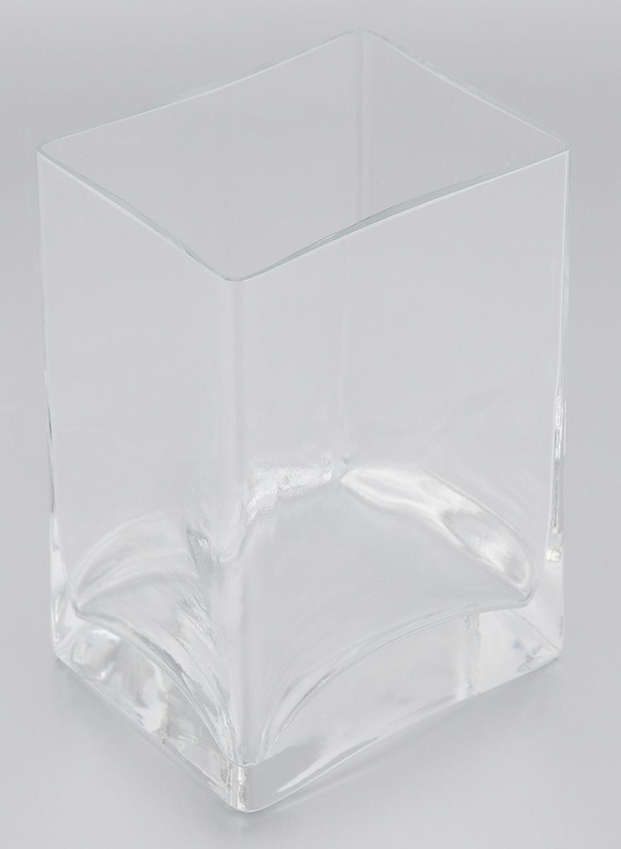 Ваза Pasabahce Botanica, высота 14 см43071BВаза Pasabahce Botanica, выполненная из натрий-кальций-силикатного стекла, сочетает в себе изысканный дизайн с максимальной функциональностью. Ваза прямоугольной формы имеет гладкие прозрачные стенки. Такая ваза придется по вкусу и ценителям классики, и тем, кто предпочитает утонченность и изысканность.Можно мыть в посудомоечной машине. Размер вазы по верхнему краю: 10 х 8 см.Высота: 14 см.