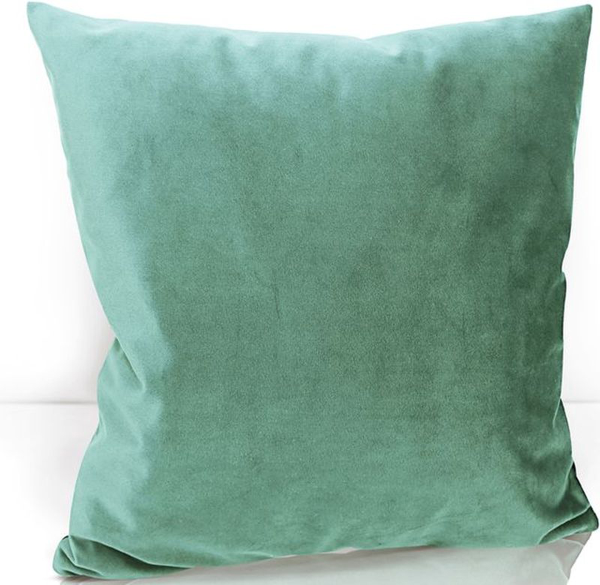 Подушка декоративная KauffOrt Велюр, цвет: голубой, 40 х 40 см3122202665Декоративная подушка KauffOrt  прекрасно дополнит интерьер спальни или гостиной. Чехолподушки выполнен из велюра (100% полиэстер). Внутри находится мягкий наполнитель.Чехол легко снимаетсяблагодаря потайной молнии.