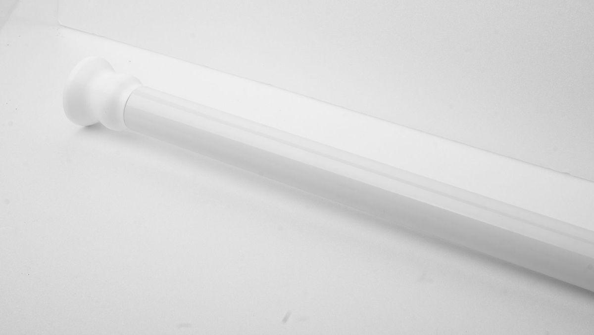 Штанга для ванной комнаты Ridder, телескопическая, цвет: белый, диаметр 2,5 см, длина 110-185 смWBCH10-315Штанга для ванной комнаты Ridder - это не только аксессуар для штор, но и элемент декора. Изделие выполнено из спрессованного алюминия, на который нанесено специальное покрытие для предотвращения царапин. Устанавливается в распор между двумя стенами в ванных комнатах и любых других помещениях. Для установки штанги не требуются какие-либо крепежные элементы и дополнительные инструменты. Она фиксируется благодаря стержневой пружине. При необходимости легко снимается и может использоваться многократно.Оригинальная и стильная штанга дополнит интерьер вашей ванной комнаты.Длина карниза: 110-185 см. Диаметр карниза: 2,5 см.