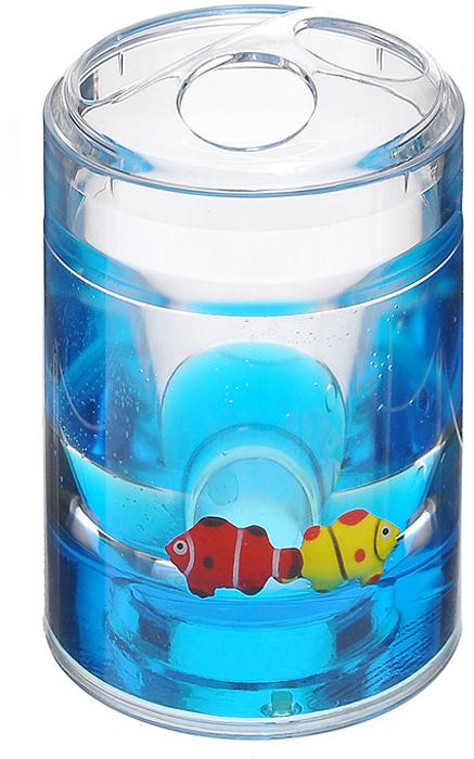 """Стаканчик для зубных щеток """"Рыбки"""", изготовленный из прозрачного пластика, отлично подойдет для вашей ванной комнаты. Внутри стакана синий гелиевый наполнитель с рыбками красного и желтого цветов. Стаканчик для зубных щеток создаст особую атмосферу уюта и максимального комфорта в ванной. Характеристики:   Материал: пластик, акрил, гелиевый наполнитель. Цвет: синий, желтый, красный. Диаметр стаканчика по верхнему краю: 7 см. Высота стаканчика: 12 см. Производитель: Швеция. Изготовитель: Китай. Размер упаковки: 8 см х 8 см х 13 см. Артикул: 860-31."""