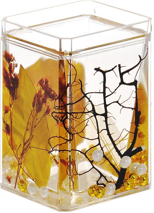 Стаканчик Gold Leaf857-88Стаканчик Gold Leaf, изготовленный из прозрачного пластика, отлично подойдет для вашей ванной комнаты. Стаканчик имеет двойные стенки, между которыми находится прозрачный гелевый наполнитель с золотистыми листьями, веточками и бусинами белого и золотистого цвета.Стаканчик Gold Leaf создаст особую атмосферу уюта и максимального комфорта в ванной. Характеристики: Материал: пластик, акрил, гелевый наполнитель. Цвет: золотистый, черный, белый. Размер стаканчика: 7 см х 7 см х 10,5 см. Производитель: Швеция. Изготовитель: Китай. Размер упаковки: 7,5 см х 7,5 см х 11,5 см. Артикул: 857-88.