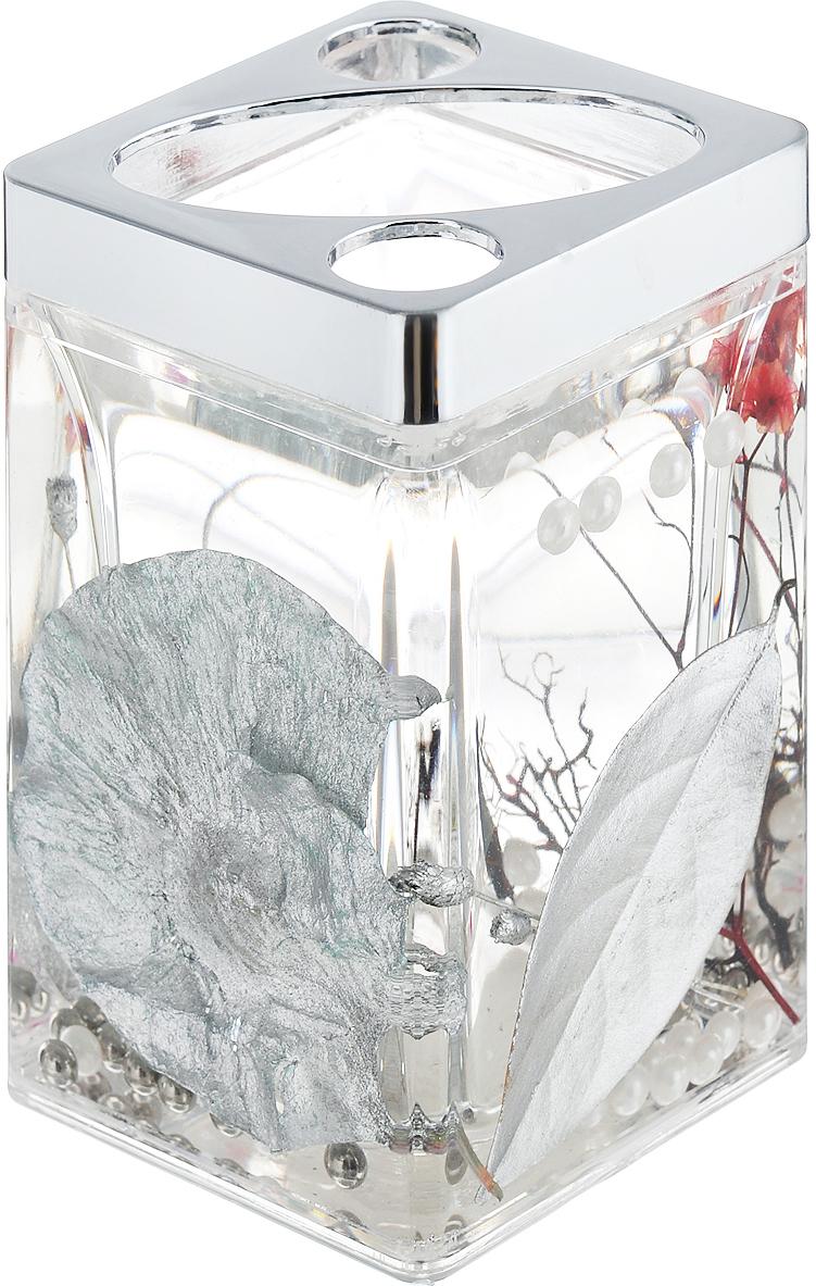 Стаканчик для зубных щеток Silver Leaf867-89Стаканчик для зубных щеток Silver Leaf, изготовленный из прозрачного пластика, отлично подойдет для вашей ванной комнаты. Стаканчик имеет двойные стенки, между которыми находится прозрачный гелевый наполнитель с серебристыми листьями, веточками и бусинами белого и серебристого цвета. Стаканчик для зубных щеток Silver Leaf создаст особую атмосферу уюта и максимального комфорта в ванной. Характеристики: Материал: пластик, акрил, гелевый наполнитель. Цвет: серебристый, черный, белый. Размер стаканчика: 7 см х 7 см х 11,5 см. Производитель: Швеция. Изготовитель: Китай. Размер упаковки: 7,5 см х 7,5 см х 12,5 см. Артикул: 867-89.