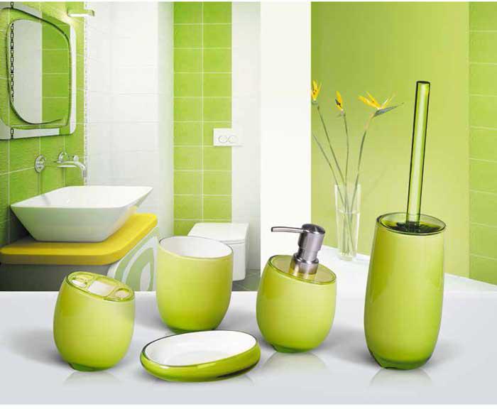 """Гарнитур для туалета """"Immanuel Repose Green"""" включает в себя ершик и подставку. Ершик с жестким ворсом имеет удобную ручку, которая выполнена из прозрачного акрила. Подставка изготовлена из акрила салатового цвета с пластиковой емкостью внутри. Ершик полностью вставляется в подставку и закрывается крышкой, что обеспечит гигиеничность использования и облегчит уход. Ершик отлично чистит поверхность, а грязь с него легко смывается водой.   Характеристики:Материал:  акрил. Цвет: салатовый. Длина ершика: 34 см. Длина ворса: 1,5 см. Диаметр подставки для ершика по верхнему краю: 8,5 см. Высота подставки: 18,5 см. Артикул: 12332."""