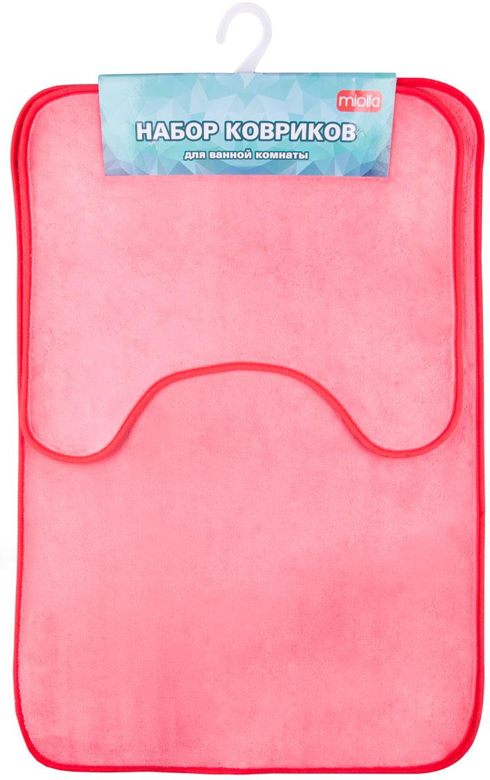 Набор ковриков для ванной Miolla, цвет: фуксия, 2 штAB753RНабор Miolla состоит из двух ковриков для ванной комнаты: прямоугольного и с вырезом. Изделия изготовлены из 100% полиэстера. Благодаря специальной обработки нижней стороны, коврики не скользят на плитке. Яркий дизайн позволит оформить ванную комнату по вашему вкусу .Размер ковриков: 75 см х 48 см; 45 см х 40 см.Высота ворса: 0,6 см.