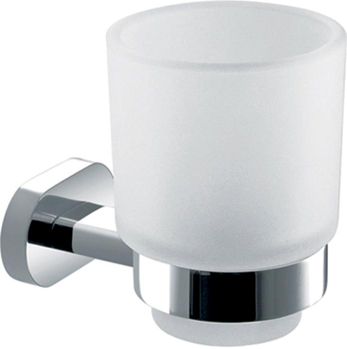 Стакан подвесной Gro Welle MandarinMDR551Стакан для ванной комнаты Gro Welle Mandarin изготовлен из высококачественного матового стекла. Для стакана предусмотрен специальный держатель, выполненный из латуни с хромированным покрытием. Хромоникелевое покрытие Crystallight придает изделию яркий металлический блеск и эстетичный внешний вид. Имеет водоотталкивающие свойства, благодаря которым защищает изделие. Устойчив к кислотным и щелочным чистящим средствам. Изделие быстро и просто крепится к стене, крепежные материалы входят в комплект. В стакане удобно хранить зубные щетки, пасту и другие принадлежности. Диаметр стакана по верхнему краю: 7,4 см.Высота стакана: 9,8 см.Отступ стакана от стены: 10,65 см.Диаметр металлического кольца: 5,5 см.