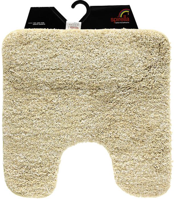 """Коврик """"Gobi"""" светло-бежевого цвета выполнен из полиэстера высокого качества. Прорезиненная основа коврика позволяет использовать его во влажных помещениях, предотвращает скольжение коврика по гладкой поверхности, а также обеспечивает надежную фиксацию ворса. Коврик добавит тепла и уюта в ваш дом. Характеристики:  Материал: 100% полиэстер. Размер:  55 см х 55 см. Производитель: Швейцария. Изготовитель: Китай. Артикул: 1012514."""