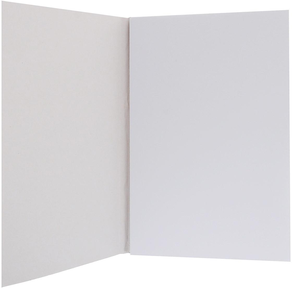 Альбом Kroyter предназначен для эскизов и рисования, подходит для работ тушью. Внутренний блок - на склейке с твердой картонной подложкой, что позволяет использовать альбом вне дома. Обложка, изготовленная из высококачественного импортного картона, имеет стильный и современный дизайн.