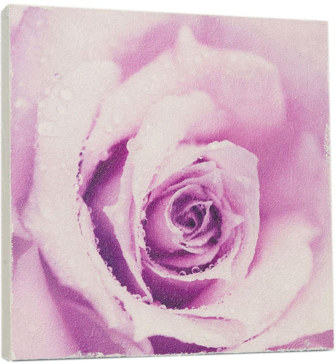 Картина Mister Poster Сиреневая роза, 14,5 х 14,5 см0351-15-15Картина Mister Poster - это высококачественная репродукция на деревянной раме. Лицевая поверхность имитирует штукатурку или натуральный холст, края окрашены вручную специальным декоративным составом.Современные технологии, уникальное оборудование и оригинальные чернила, используемые при изготовлении, делают постер устойчивым к выцветанию, а также гарантируют стойкость к воздействию негативных внешних факторов. Интерьер дома и офиса, в котором находится человек, в значительной степени влияет на его настроение и работоспособность. Правильное оформление интерьера создает благоприятный психологический климат, улучшает настроение и мотивирует. Добавьте «красок» в ваш интерьер и, возможно, в вашу жизнь.