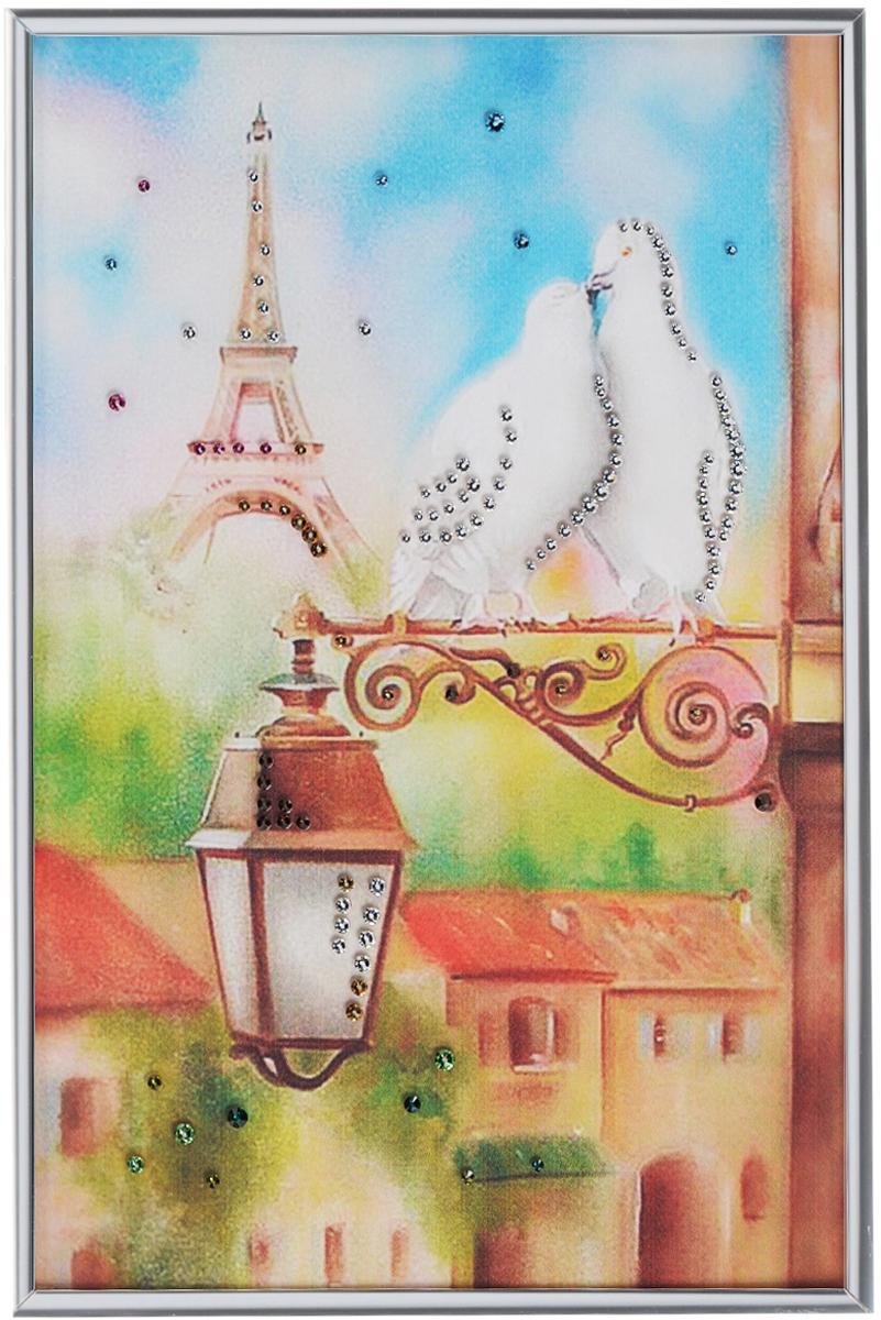 Картина с кристаллами Swarovski Голуби в Париже, 20 см х 30 см1328Изящная картина в металлической раме, инкрустирована кристаллами Swarovski, которые отличаются четкой и ровной огранкой, ярким блеском и чистотой цвета. Красочное изображение двух голубей на фоне Эйфелевой башни, расположенное под стеклом, прекрасно дополняет блеск кристаллов. С обратной стороны имеется металлическая петелька для размещения картины на стене.Картина с кристаллами Swarovski Голуби в Париже элегантно украсит интерьер дома или офиса, а также станет прекрасным подарком, который обязательно понравится получателю. Блеск кристаллов в интерьере, что может быть сказочнее и удивительнее. Картина упакована в подарочную картонную коробку синего цвета и комплектуется сертификатом соответствия Swarovski.