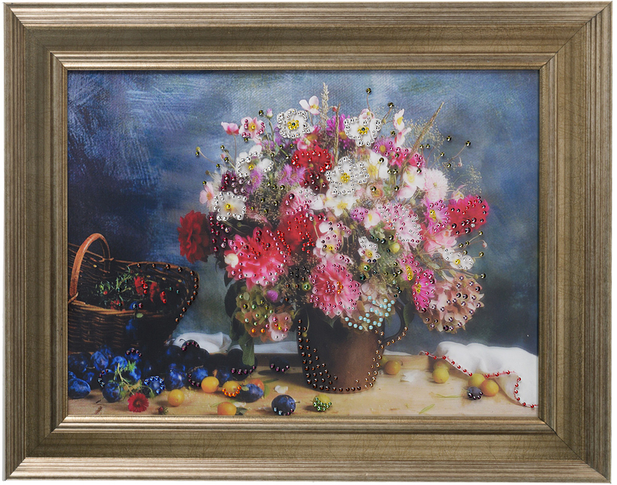 Картина с кристаллами Swarovski Полевой букет, 50 х 40 см1248Изящная картина в багетной раме, инкрустирована кристаллами Swarovski, которые отличаются четкой и ровной огранкой, ярким блеском и чистотой цвета. Красочное изображение полевых цветов, расположенное на внутренней стороне стекла, прекрасно дополняет блеск кристаллов. С обратной стороны имеется металлическая проволока для размещения картины на стене. Картина с кристаллами Swarovski Полевой букет элегантно украсит интерьер дома или офиса, а также станет прекрасным подарком, который обязательно понравится получателю. Блеск кристаллов в интерьере, что может быть сказочнее и удивительнее. Картина упакована в подарочную картонную коробку синего цвета и комплектуется сертификатом соответствия Swarovski.
