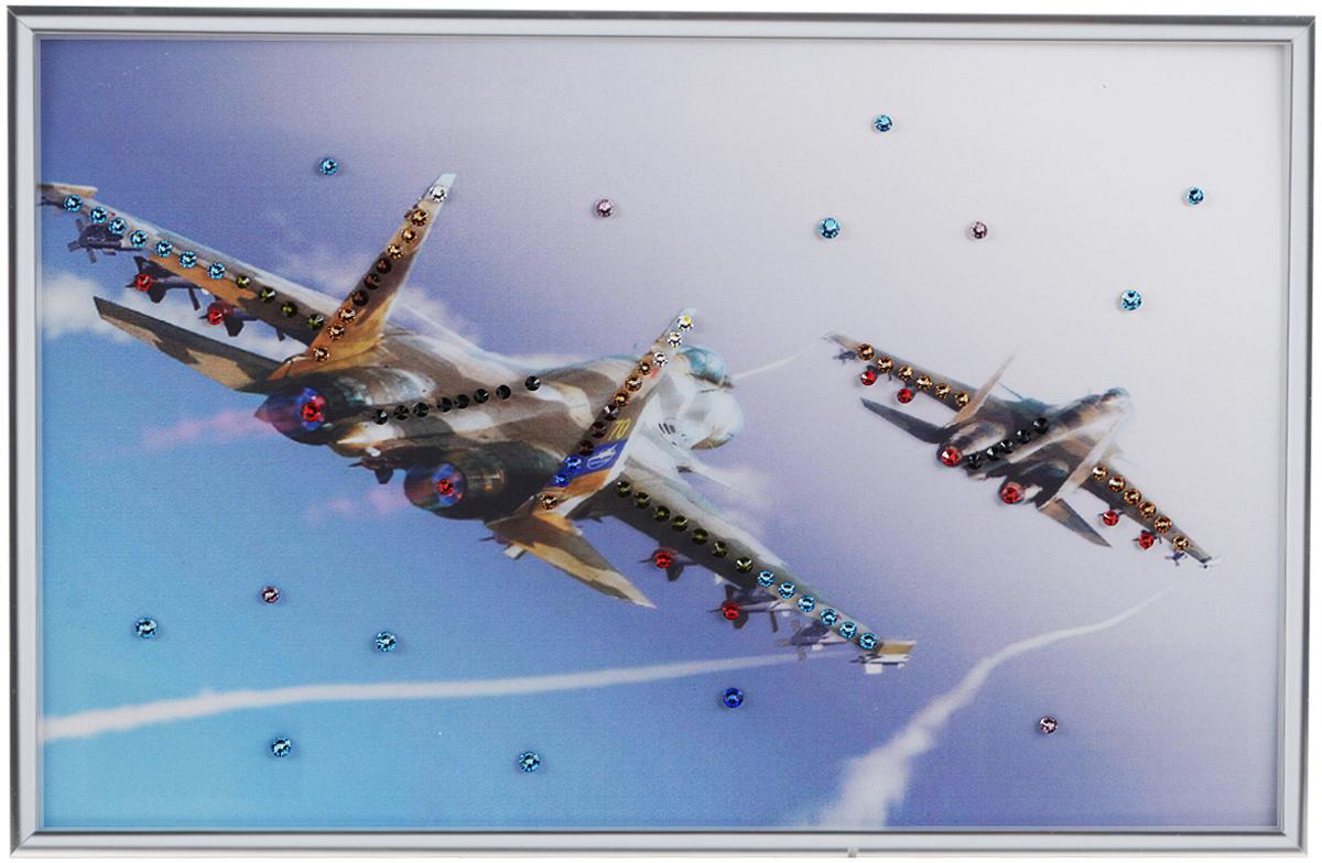 Картина с кристаллами Swarovski Полет, 30 см х 20 см1342Изящная картина в металлической раме, инкрустирована кристаллами Swarovski, которые отличаются четкой и ровной огранкой, ярким блеском и чистотой цвета. Красочное изображение двух самолетов, расположенное под стеклом, прекрасно дополняет блеск кристаллов. С обратной стороны имеется металлическая петелька для размещения картины на стене.Картина с кристаллами Swarovski Полет элегантно украсит интерьер дома или офиса, а также станет прекрасным подарком, который обязательно понравится получателю. Блеск кристаллов в интерьере, что может быть сказочнее и удивительнее. Картина упакована в подарочную картонную коробку синего цвета и комплектуется сертификатом соответствия Swarovski.