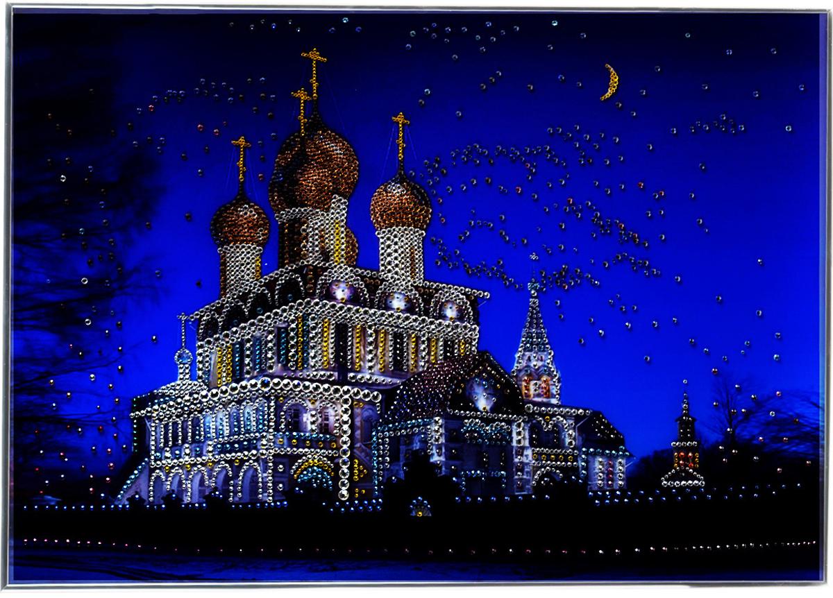 Картина с кристаллами Swarovski Воскресенский собор, 70 см х 50 см1077Изящная картина в металлической раме, инкрустирована кристаллами Swarovski, которые отличаются четкой и ровной огранкой, ярким блеском и чистотой цвета. Красочное изображение Воскресенского собора, расположенное под стеклом, прекрасно дополняет блеск кристаллов. С обратной стороны имеется металлическая петелька для размещения картины на стене.Картина с кристаллами Swarovski Воскресенский собор элегантно украсит интерьер дома или офиса, а также станет прекрасным подарком, который обязательно понравится получателю. Блеск кристаллов в интерьере, что может быть сказочнее и удивительнее.Картина упакована в подарочную картонную коробку синего цвета и комплектуется сертификатом соответствия Swarovski.