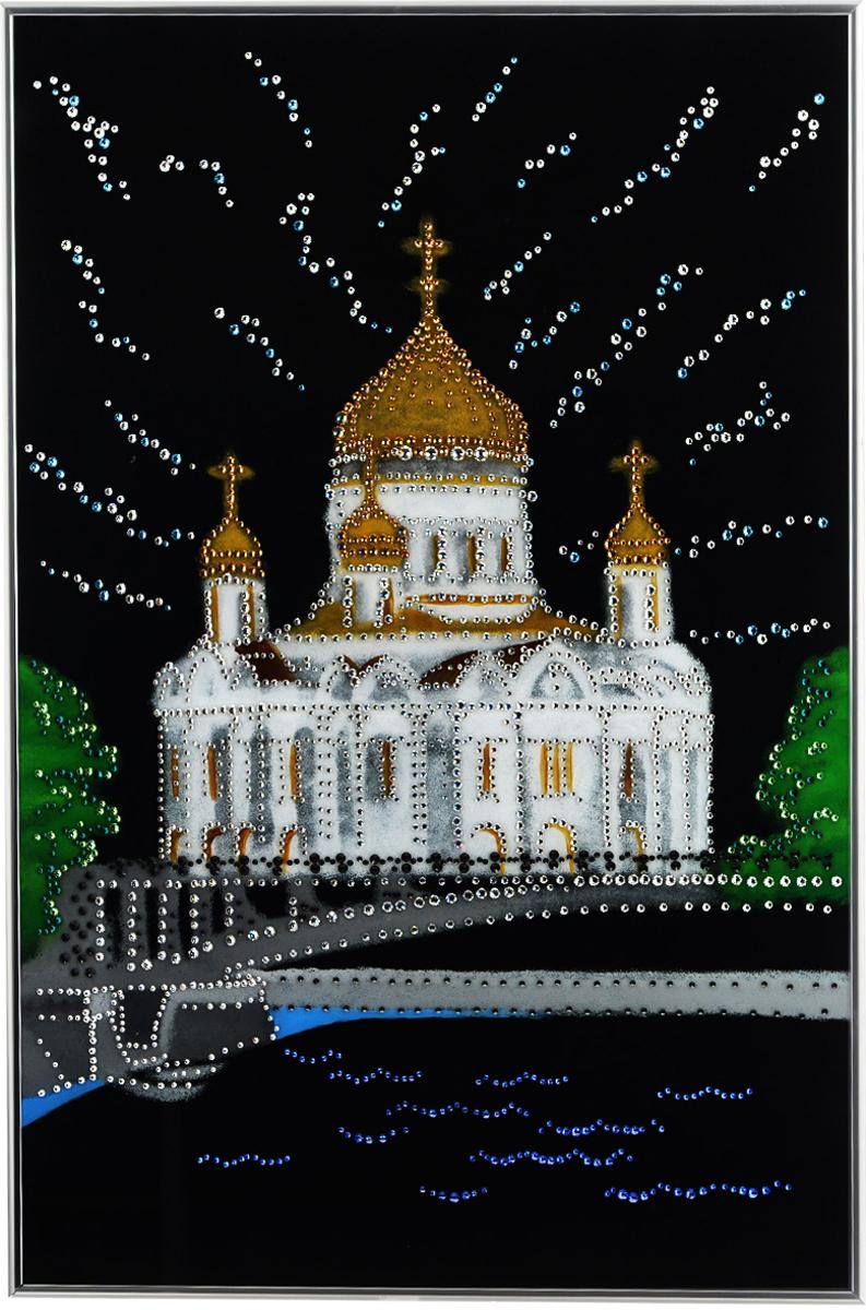 Картина с кристаллами Swarovski Храм Христа Спасителя, 40 х 60 см1304Изящная картина в металлической раме, инкрустирована кристаллами Swarovski, которые отличаются четкой и ровной огранкой, ярким блеском и чистотой цвета. Красочное изображение Храма Христа Спасителя, расположенное под стеклом, прекрасно дополняет блеск кристаллов. С обратной стороны имеется металлическая петелька для размещения картины на стене. Картина с кристаллами Swarovski Храм Христа Спасителя элегантно украсит интерьер дома или офиса, а также станет прекрасным подарком, который обязательно понравится получателю. Блеск кристаллов в интерьере, что может быть сказочнее и удивительнее. Картина упакована в подарочную картонную коробку синего цвета и комплектуется сертификатом соответствия Swarovski.