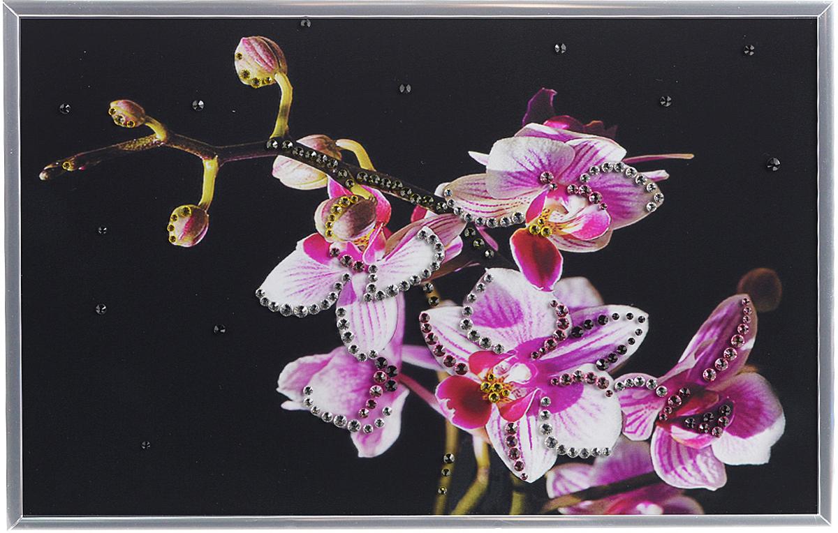 Картина с кристаллами Swarovski Маленькая орхидея, 30 х 20 см1205Изящная картина в металлической раме, инкрустирована кристаллами Swarovski, которые отличаются четкой и ровной огранкой, ярким блеском и чистотой цвета. Красочное изображение цветков орхидеи, расположенное под стеклом, прекрасно дополняет блеск кристаллов. С обратной стороны имеется металлическая петелька для размещения картины на стене.Картина с кристаллами Swarovski Маленькая орхидея элегантно украсит интерьер дома или офиса, а также станет прекрасным подарком, который обязательно понравится получателю. Блеск кристаллов в интерьере, что может быть сказочнее и удивительнее. Картина упакована в подарочную картонную коробку синего цвета и комплектуется сертификатом соответствия Swarovski.