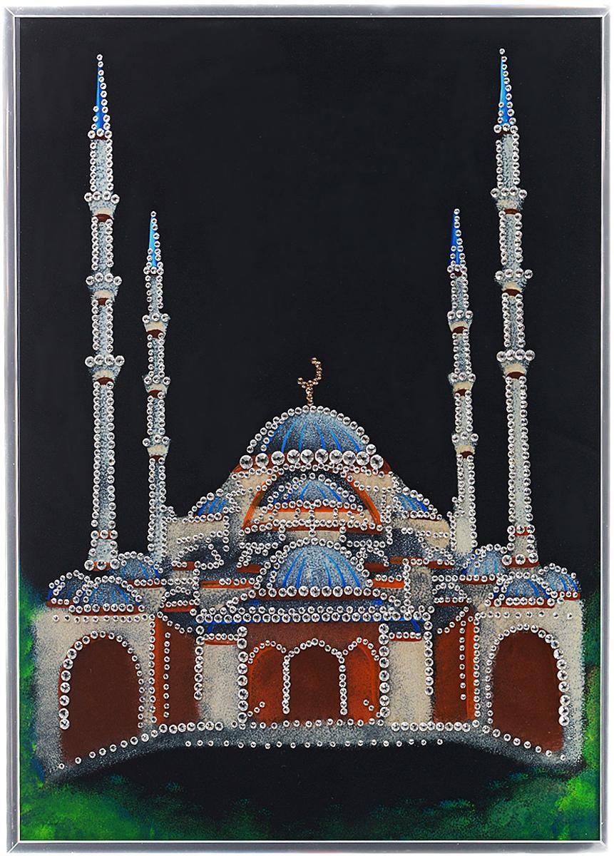 Картина с кристаллами Swarovski Мечеть, 30 см х 40 см1211Изящная картина в алюминиевой раме Мечеть инкрустирована кристаллами Swarovski, которые отличаются четкой и ровной огранкой, ярким блеском и чистотой цвета. Идеально подобранная палитра кристаллов прекрасно дополняет картину. С задней стороны изделие оснащено специальной металлической петелькой для размещения на стене. Картина с кристаллами Swarovski элегантно украсит интерьер дома, а также станет прекрасным подарком, который обязательно понравится получателю. Блеск кристаллов в интерьере - что может быть сказочнее и удивительнее. Изделие упаковано в подарочную картонную коробку синего цвета и комплектуется сертификатом соответствия Swarovski.