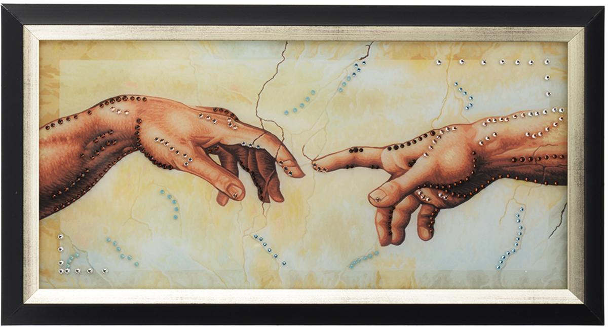 Картина с кристаллами Swarovski Сближение, 44,5 см х 25 см1413Изящная картина в багетной раме, инкрустирована кристаллами Swarovski, которые отличаются четкой и ровной огранкой, ярким блеском и чистотой цвета. Красочное изображение двух рук, расположенное под стеклом, прекрасно дополняет блеск кристаллов. С обратной стороны имеется металлическая проволока для размещения картины на стене.Картина с кристаллами Swarovski Сближение элегантно украсит интерьер дома или офиса, а также станет прекрасным подарком, который обязательно понравится получателю. Блеск кристаллов в интерьере, что может быть сказочнее и удивительнее.Картина упакована в подарочную картонную коробку синего цвета и комплектуется сертификатом соответствия Swarovski.