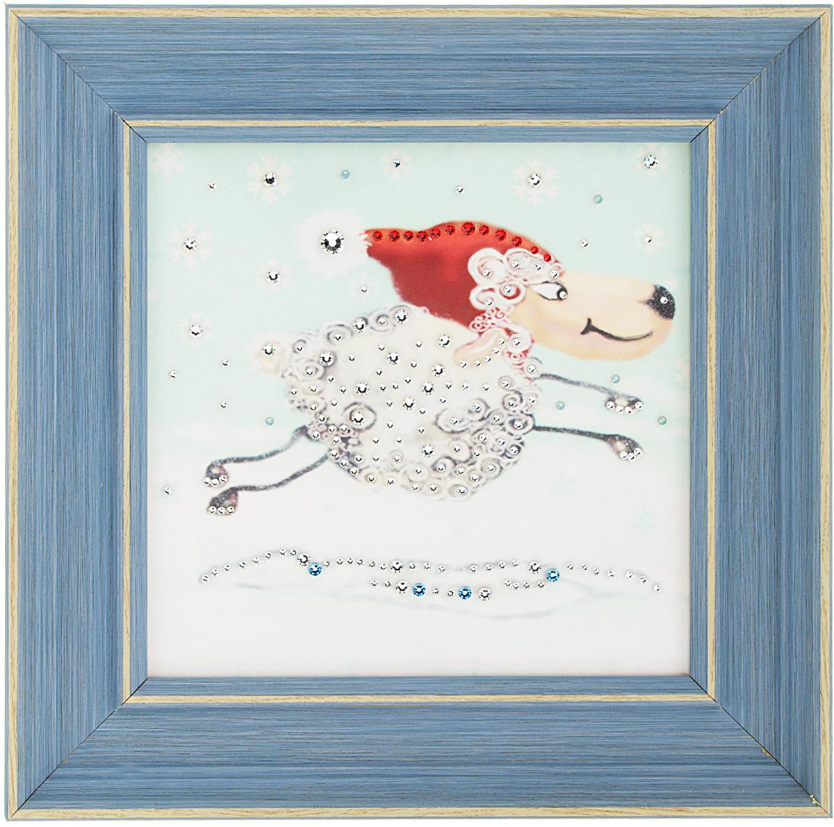 Картина с кристаллами Swarovski Праздник к нам приходит, 29 х 29 см1547Изящная картина в багетной раме, инкрустирована кристаллами Swarovski, которые отличаются четкой и ровной огранкой, ярким блеском и чистотой цвета. Красочное изображение бегущей овечки, расположенное под стеклом, прекрасно дополняет блеск кристаллов. С обратной стороны имеется металлическая петелька для размещения картины на стене. Картина с кристаллами Swarovski Праздник к нам приходит элегантно украсит интерьер дома или офиса, а также станет прекрасным подарком, который обязательно понравится получателю. Блеск кристаллов в интерьере, что может быть сказочнее и удивительнее. Картина упакована в подарочную картонную коробку синего цвета и комплектуется сертификатом соответствия Swarovski. Количество кристаллов: 130 шт. Размер картины: 29 см х 29 см.