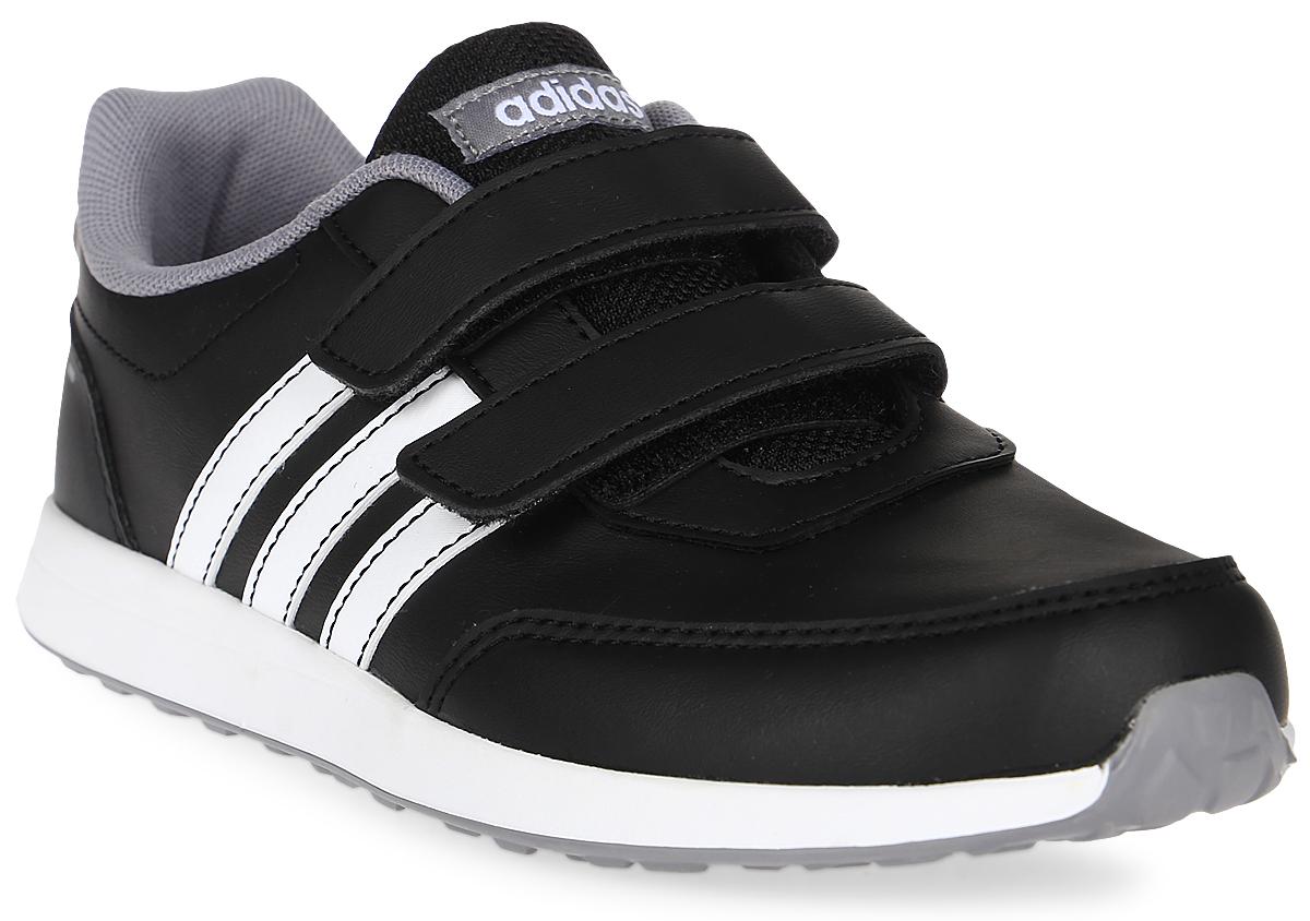 Кроссовки для мальчика adidas VS Switch 2 CMF C, цвет: черный. BC0100. Размер 34BC0100Кроссовки от Adidas придутся по душе вашему ребенку. Верх обуви, изготовленный из искусственной кожи, оформлен логотипом бренда на заднике, контрастными полосками по бокам и фирменной нашивкой на язычке. Классическая шнуровка надежно зафиксирует изделие на ноге. Подкладка и стелька из текстиля гарантируют комфорт и уют. Стильные кроссовки займут достойное место в гардеробе вашего ребенка.
