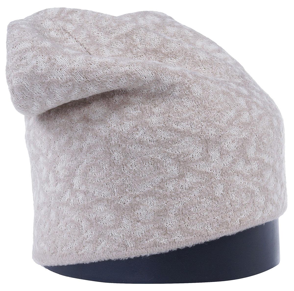 Шапка женская Vittorio Richi, цвет: светло-бежевый. Aut241943U-61/17. Размер 56/58Aut241943UСтильная женская шапка Vittorio Richi отлично дополнит ваш образ в холодную погоду. Модель, изготовленная из высококачественных материалов, максимально сохраняет тепло и обеспечивает удобную посадку. Привлекательная стильная шапка подчеркнет ваш неповторимый стиль и индивидуальность.