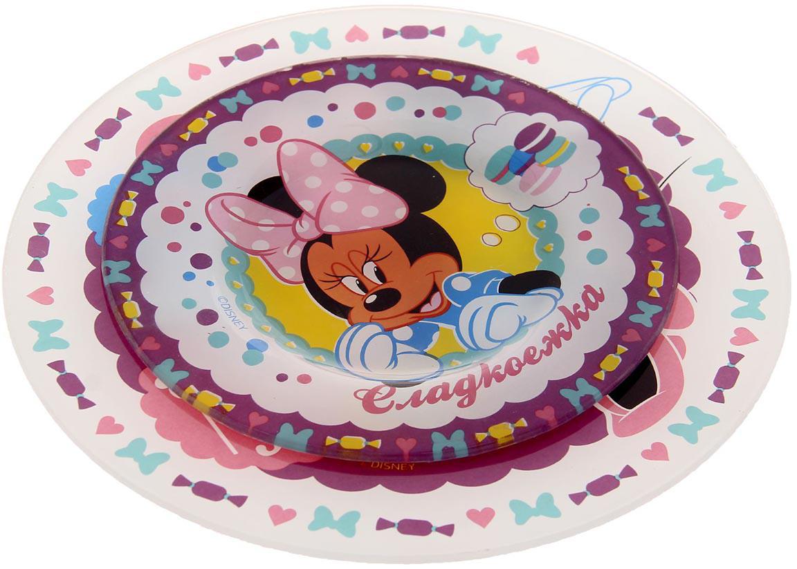 Набор тарелок Disney Сладкоежка. Минни Маус, 2 шт1229685Ваш малыш плохо кушает? Все потому, что у него до сих пор нет такой яркой и веселой посуды с замечательными и любимыми героями мультфильмов Disney! В наборе: тарелка 20 см, тарелка 15 см. Изделия рассчитаны на детские порции и покрыты красочными рисунками, которые придутся по душе вашему малышу и будут радовать его каждый день. Отныне каждая трапеза будет приносить море удовольствия! Вся посуда — это лицензионный товар, выполненный с учетом всех норм качества. Изделия упакованы в подарочную коробочку с бонусом на обороте. К тарелкам можно подобрать кружки или наборы посуды с героями Disney.