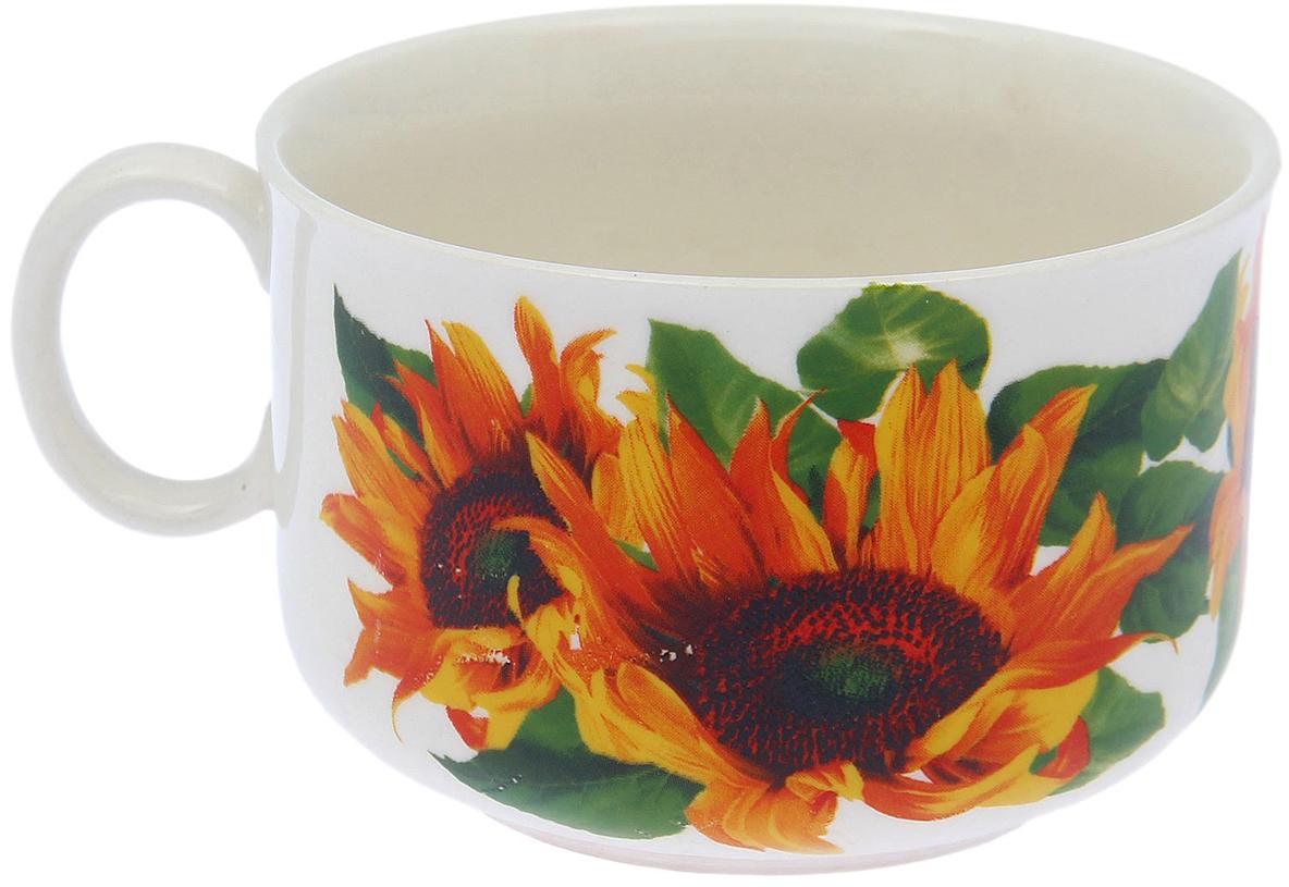 Чашка Керамика ручной работы Лето. Подсолнух, 250 мл1821243Такая чашка выполнена из керамики. Изделие выдержит высокую и низкую температуру, надолго сохранит чай горячим, а остуженные напитки холодными. емкость не выделяет вредных веществ при сильном нагреве. Кружка долго сохраняет первоначальный внешний вид и подходит как для мытья вручную, так и в посудомоечной машине. Интересное оформление украшает изделие и выделяет среди прочих. Окружайте себя красивыми вещами: такая чашка поднимет вам настроение даже в ненастный день!