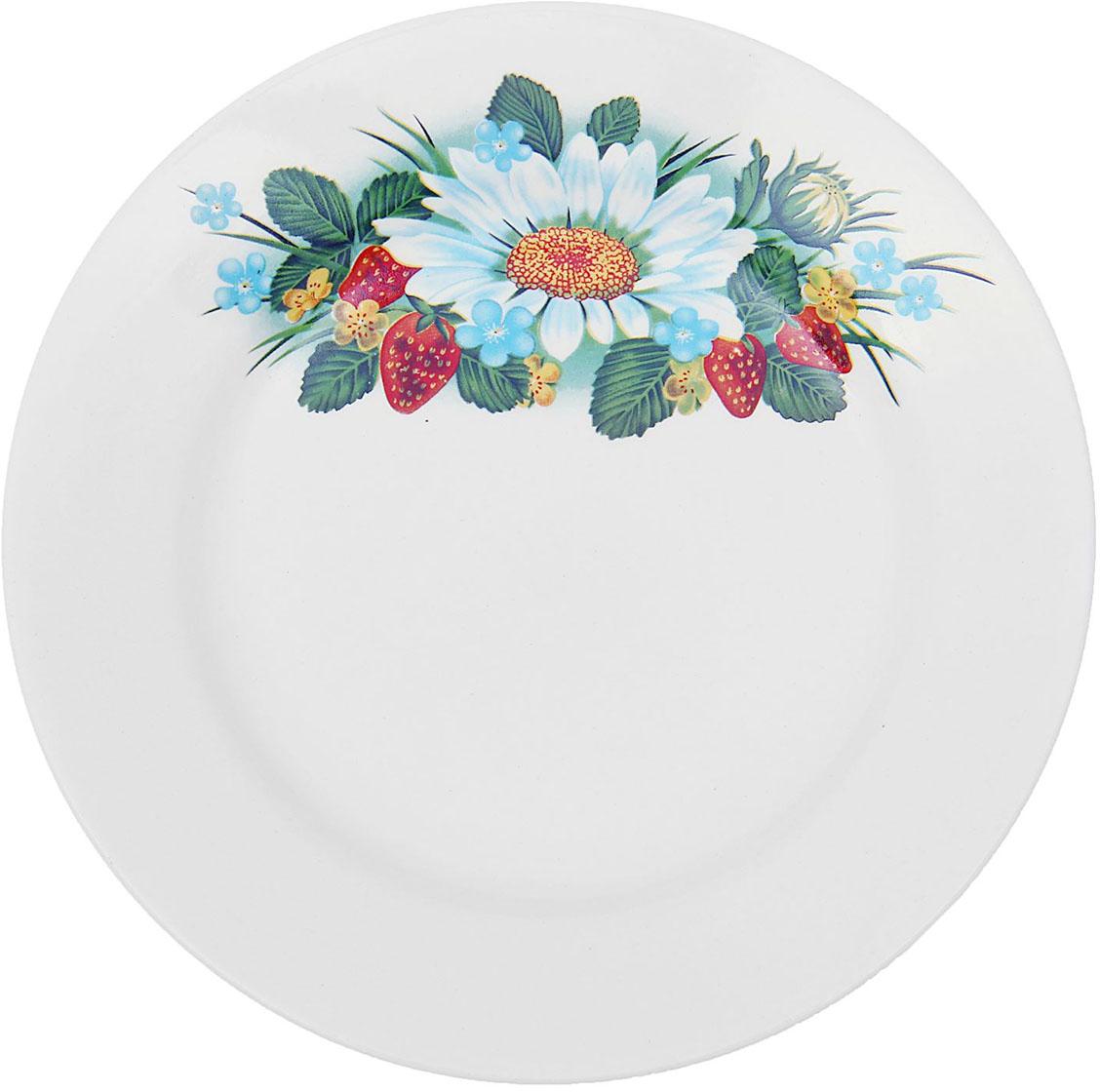 Тарелка мелкая Керамика ручной работы Лесная деколь, диаметр 17,5 см1821302Данная тарелка понравится любителям вкусной и полезной домашней пищи. Такая посуда практична и красива, в ней можно хранить и подавать разнообразные блюда. При многократном использовании изделие сохранит свой вид и выдержит мытье в посудомоечной машине. В керамической емкости горячая пища долго сохраняет свое тепло, остуженные блюда остаются прохладными. Изделие не выделяет вредных веществ при нагревании и длительном хранении за счет экологичности материала.