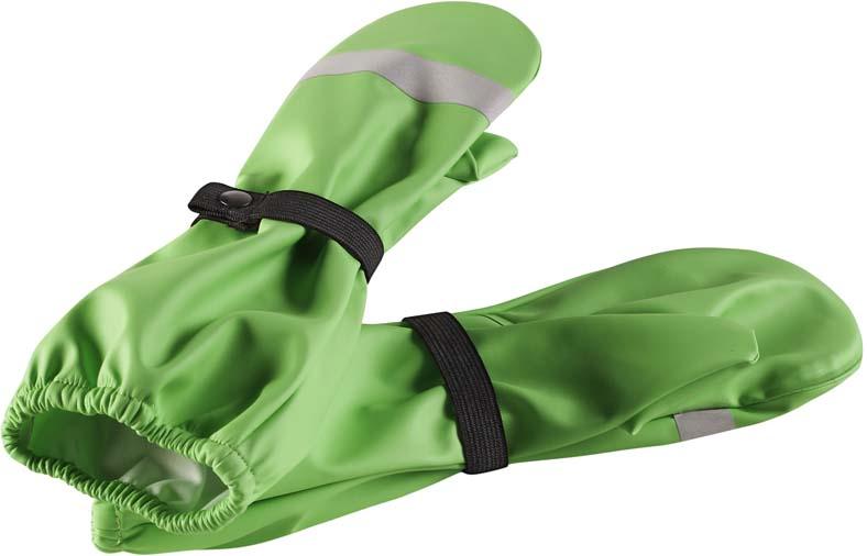 Варежки детские Lassie Kura, цвет: зеленый. 5272078460. Размер 25272078460Детские варежки Lassie Kura обеспечат ребенку комфорт на прогулке. Варежки выполнены из водонепроницаемого материала с запаянными швами. Изделие без подкладки. Варежки дополнены эластичными резинками на кнопках. Для безопасности ребенка в темное время суток варежки снабжены светоотражающими деталями.