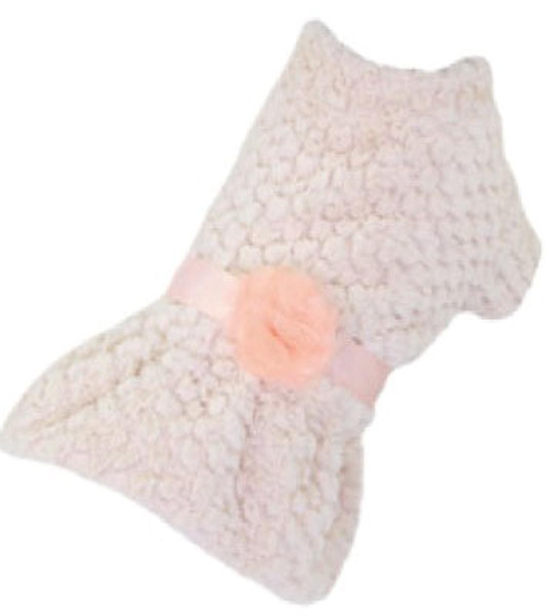 Платье для собак Dobaz, утепленное, цвет: персиковый. ДА13069БЛ. Размер LДА13069БЛОчаровательное платье Dobaz выполнено из мягкого пушистого материала. На поясе модель украшена шикарным цветком. Изделие будет великолепно сидит на собачке. В таком платье ваша собачка будет самой красивой на прогулке. Обхват шеи: 31 см.Обхват груди: 48 см.Длина спинки: 33 см.Одежда для собак: нужна ли она и как её выбрать. Статья OZON Гид