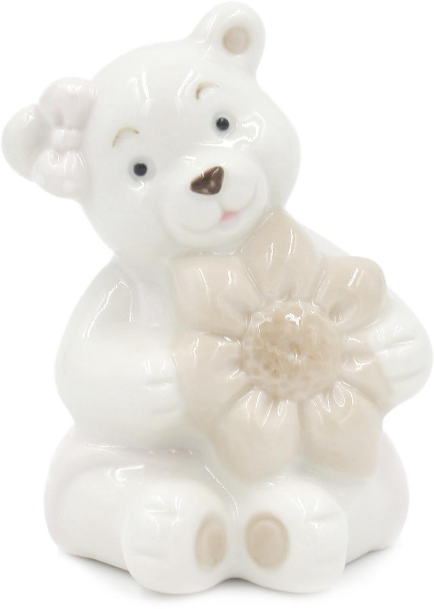 Фигурка декоративная Magic Home Мишка с бантиком, 5,4 х 5 х 8 см цена