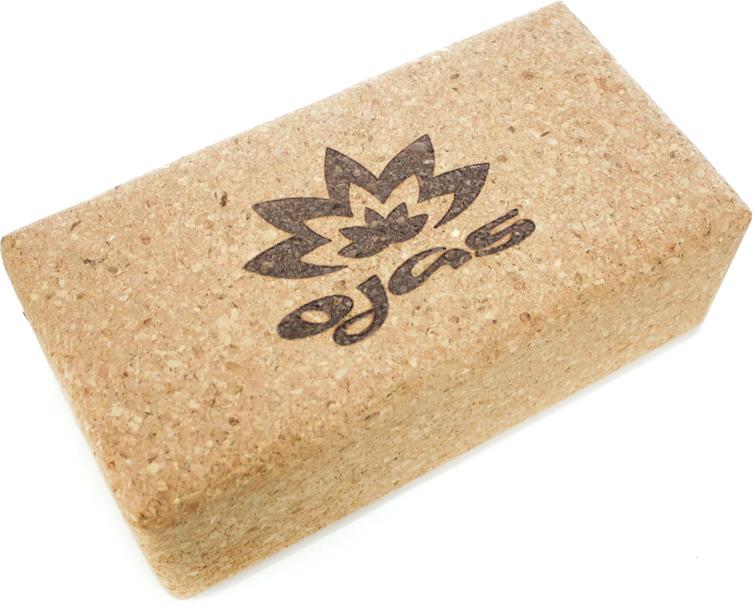 Блок опорный для йоги Ojas Natural Cork, 23 х 12 х 7,5 см2000102709588Опорный блок для практики йоги и фитнеса Natural Cork - это первый 100% натуральный блок изготовленный из пробкового дерева. В его производстве используется натуральное резиновое «молочко» для склеивания пробки, в то время как во всех остальных пробковых блоках в качестве связующего материала используется полиуретан. Пробковый кирпич Natural Cork лучшим образом подходит в качестве дополнительной опоры при обучении йоге и пилатесу, используется как поддерживающий элемент, помогающий правильно удерживать асану. У него есть несколько важных качеств, которые определяют ваш выбор: имеет небольшой вес (450 г). Этот вес не перегружает кисть и в то же время обеспечивает нужную устойчивость; - обладает великолепным «сухим» трением, кирпич не выскальзывает даже из вспотевших рук;- натуральная пробка очень приятна тактильно, «теплая»; - идеально закругленные грани обеспечивают точную и комфортную опору; - имеет оптимальные, проверенные практикой габариты; - обладает безупречным качеством сделанного в ЕС продукта.