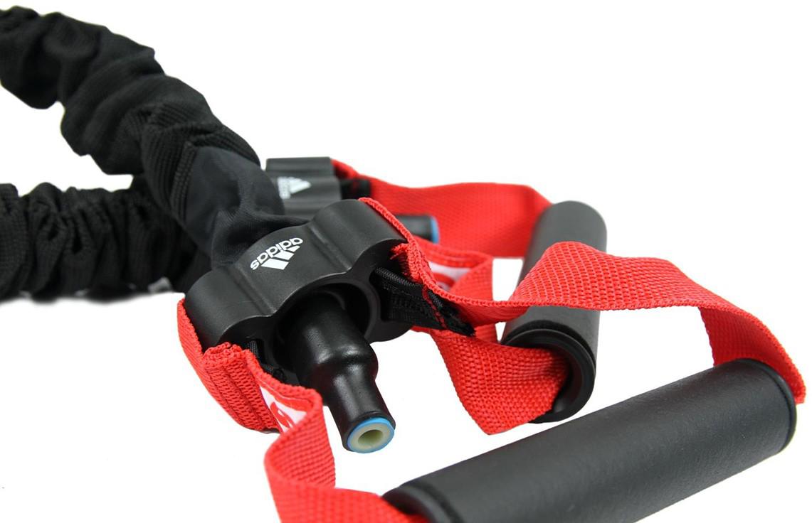Эспандер трубчатый Adidas, сопротивление 3ADTB-10603Эспандеры Adidas регулируемые, резиновая трубка упакована в защитный рукав. Эти две особенности делают эспандер уникальным, так как можно адаптировать сопротивление для достижения вашими мускулами поставленных целей, и благодаря защитному рукаву сопротивление остается постоянным, даже когда эспандер касается тела.Материалы: латекс, полиэстер, полипропилен.