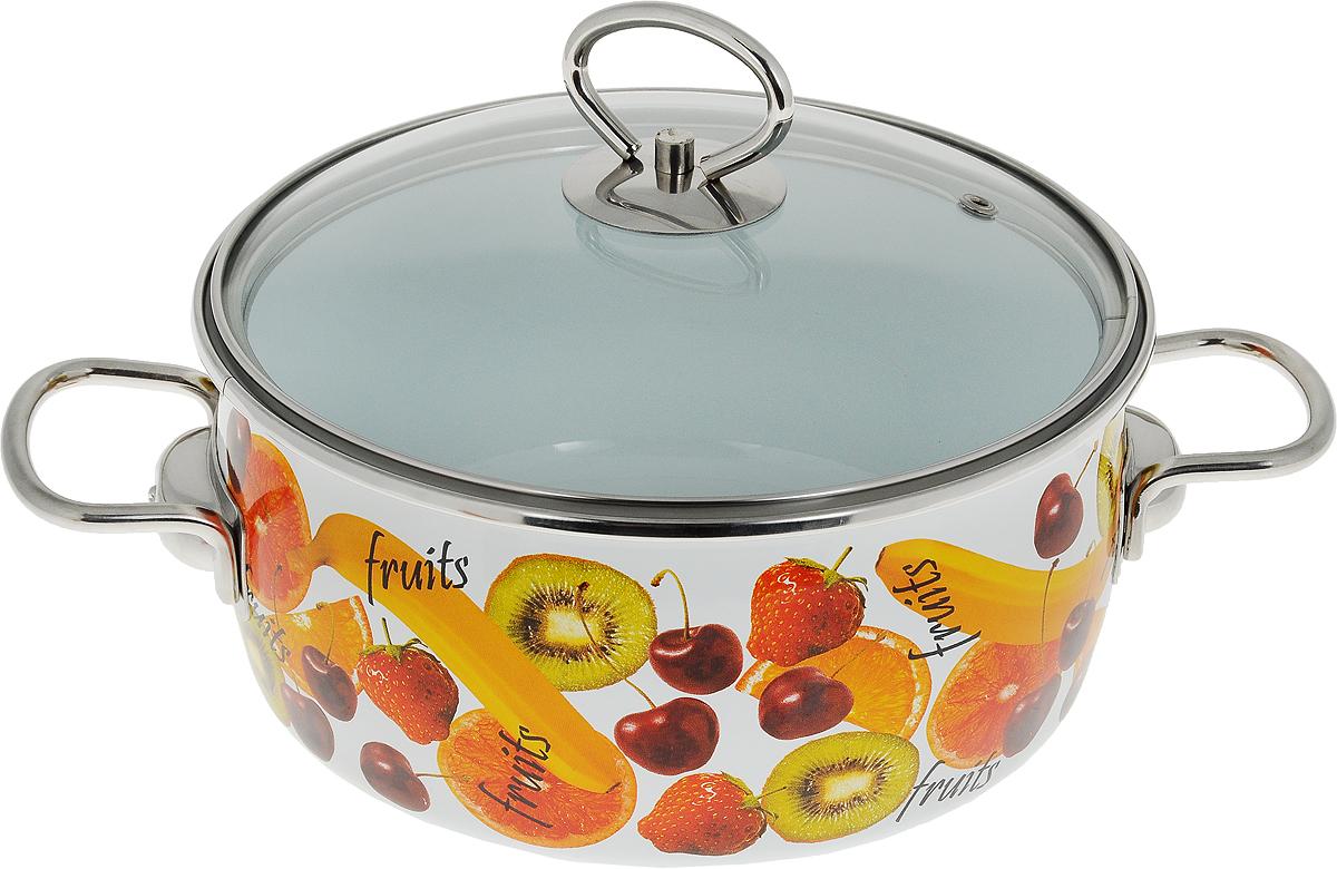 """Эмалированная кастрюля Vitross """"Fruits"""" выполнена из нержавеющей стали со стеклокерамическим покрытием - наиболее безопасным видом покрытий посуды. Стеклокерамика инертна и устойчива к пищевым кислотам, не вступает во взаимодействие с продуктами и не искажает их вкусовые качества. Прочный стальной корпус обеспечивает эффективную тепловую обработку и не деформируется в процессе эксплуатации. Такая кастрюля идеальна для тепловой обработки и хранения пищевых продуктов, приготовления холодных блюд и сервировки стола. Внутренняя поверхность изделия - белого цвета. Внешняя поверхность белого цвета оформлена красочным изображением фруктов.  Кастрюля оснащена стеклянной крышкой с металлическим ободом и пароотводом, а также удобными стальными ручками. Подходит для всех типов плит, включая индукционные. Пригодна для посудомоечной машины. Характеристики: Материал: нержавеющая сталь, стекло, эмаль. Цвет: белый. Объем кастрюли: 3 л. Внутренний диаметр кастрюли: 20 см. Высота стенок кастрюли: 10 см. Толщина стенок кастрюли: 0,3 см. Толщина дна кастрюли: 0,4 см. Ширина кастрюли с учетом ручек: 30 см. Размер упаковки: 23 см х 26 см х 12 см. Артикул: 8SA205S."""