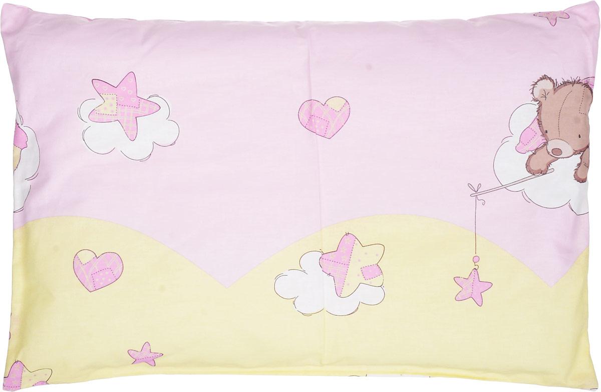 Сонный гномик Подушка детская Мишки цвет розовый желтый 60 х 40 см 555Б555Б_розовый, желтый/мишкиДетская подушка Сонный гномик Мишки изготовлена из бязи - 100% хлопка и создана для комфортного сна вашего малыша.Гипоаллергенные ткани - это залог спокойствия, здорового сна малыша и его безопасности. Наполнитель из синтепона (100% полиэстер) позволит коже ребенка дышать, создавая естественную вентиляцию. Мягкий и воздушный, он будет правильно поддерживать головку ребенка во время сна. Ткань наволочки - нежная и одновременно износостойкая - прослужит вам долгие годы.Уход: не гладить, только ручная стирка, нельзя отбеливать, нельзя выжимать и сушить в стиральной машине, химчистка запрещена.