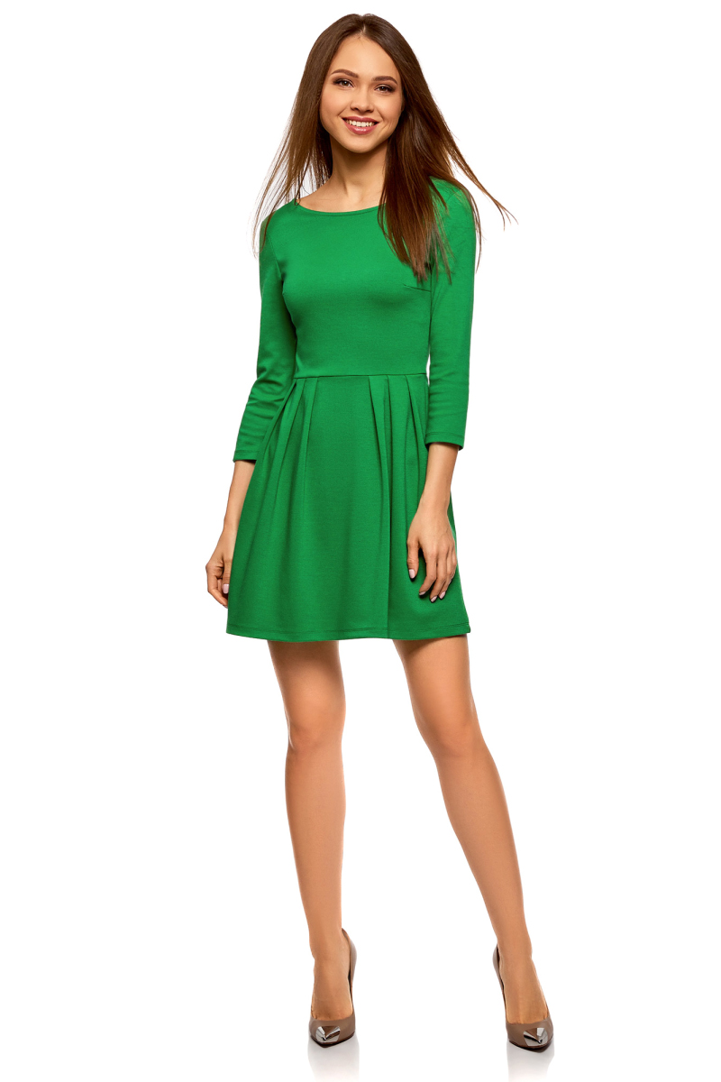 Платье oodji Ultra, цвет: темно-изумрудный. 14011005B/38261/6E00N. Размер L (48)14011005B/38261/6E00NТрикотажное платье от oodji выполнено из эластичного полиэстера с добавлением вискозы. Модель с рукавами 3/4 и круглым вырезом горловины на спинке застегивается на молнию.