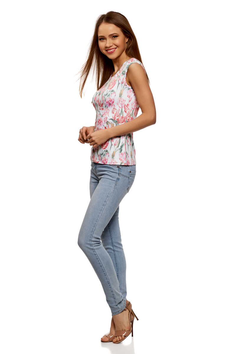 Футболка женская oodji Ultra, цвет: белый, розовый. 14701063-2B/37809/1241U. Размер XS (42)14701063-2B/37809/1241UФутболка от oodji выполнена из эластичного полиэстера. Модель облегающего силуэта с короткими цельнокроеными рукавами и вырезом горловины лодочка.